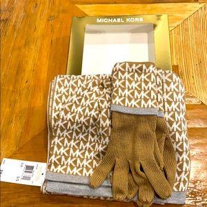 NEW Michael Kors 3pc Hat, Glove, Scarf Set